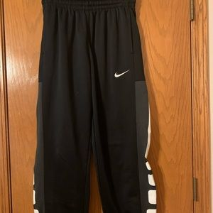 Men's Nike Elite Joggers- large